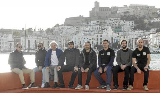 Parte de la expedición de la academia Stella Maris está compuesta por 14 miembros que embarcarán en un catamarán y en un velero monocasco.