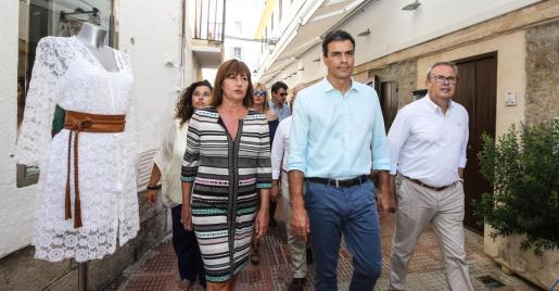 Encuentro entre la presidenta de Balears, Francina Armengol, y el entonces secretario general del PSOE, Pedro Sánchez, el pasado verano en Ibiza.