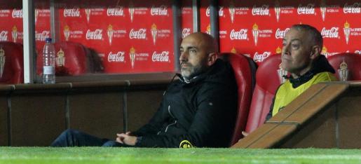 El entrenador del Sporting Abelardo Fernández durante el partido de la decimoctava jornada de Liga en Primera División que Sporting y Eibar.