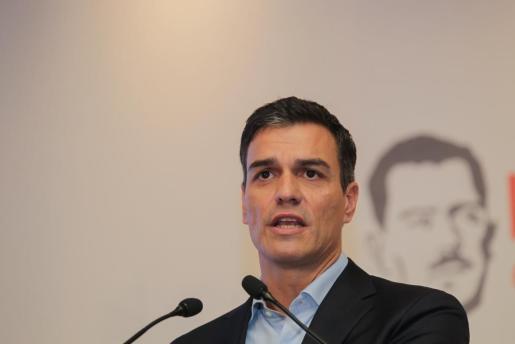 Pedro Sánchez inicia un calendario de encuentros con la militancia socialista en territorio de la presidenta andaluza, Susana Díaz.