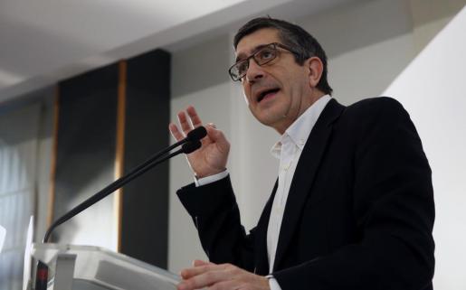 El exlehendakari Patxi López, durante su intervención en el primer acto de la campaña.