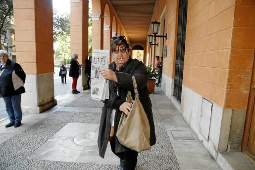 Huertas saliendo ayer del Parlament. Foto: TERESA AYUGA