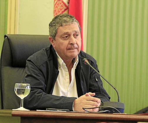 Carlos Jover, durante su comparecencia. Foto: MIQUEL ANGEL CAÑELLAS