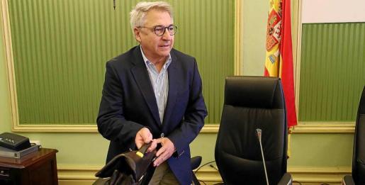 Jaume Carbonero, al inicio de su comparecencia en la comisión parlamentaria sobre las autopistas. Foto: PERE BOTA