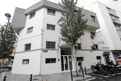 Los vecinos del Eixample Nou critican al Ayuntamiento de Vila por no haber sido 'transparentes' acerca del perfil del futuro usuario del albergue.