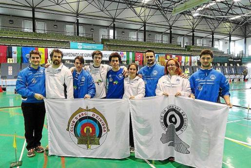 Algunos de los deportistas de los clubes ibicencos que acuden a este campeonato en Málaga.