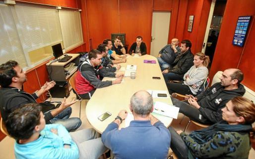 Una imagen de la reunión de los responsables deportivos del Consell con las delegaciones que ya formaban parte del PSD.