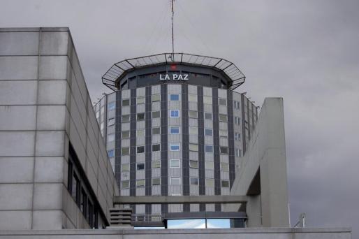 Fotografía de archivo del hospital de La Paz donde un hombre y su hija de un año han muerto hoy cuando el primero se ha arrojado con la pequeña desde una ventana.