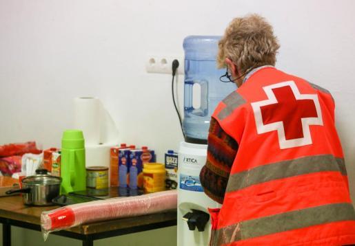 EIVISSA. SERVICIOS SOCIALES. OLA DE FRÍO. Dispositivo especial de Cruz Roja para las personas sin hogar. Una veintena de personas sin hogar pasa la noche en el local habilitado en Vila durante la ola de frío.
