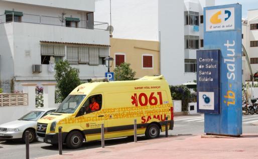 imagen de archivo del exterior del centro de salud de Santa Eulària.