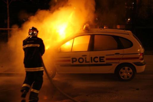 Imagen de archivo de un conato violento en las zonas más humildes de la capital francesa, ocurrido hace casi diez años.