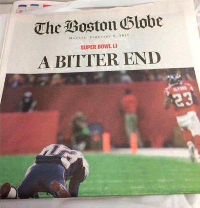 Portada del Boston Globe en la que se adelanta la derrota de los Patriots -a la postre vencederes- de la Super Bowl.