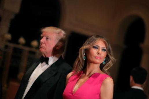 Donald y Melania Trump durante la gala de la Cruz Roja celebrada este fin de semana en Palm Beach.