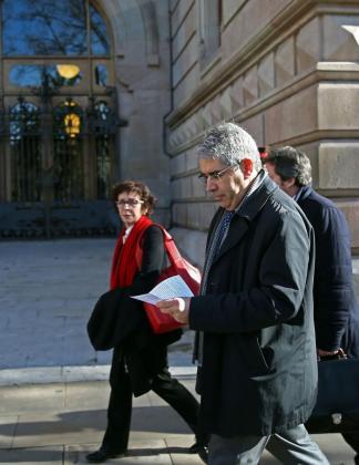 El exconseller de la Presidencia Francesc Homs, llegando a la sede del TSJC donde se celebra la tercera jornada del juicio por la consulta independentista del 9N.