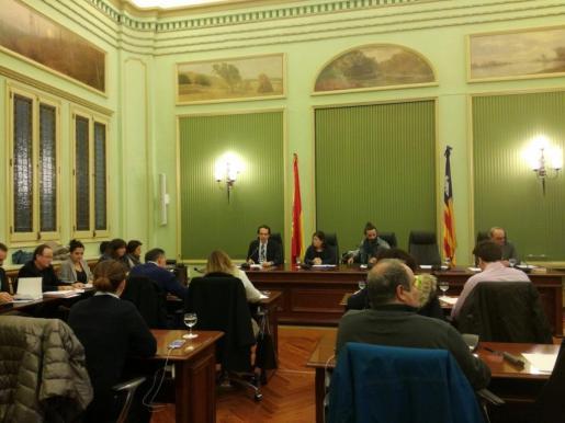En la imagen, el conseller de Territori, Energia i Movilitat, Marc Pons en la comparecencia ante la Comisió de Medi Ambient i Ordenació Territorial del Parlament.