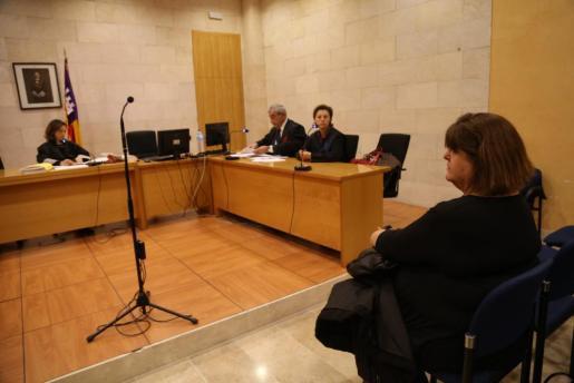 Xelo Huertas, durante la vista que se ha celebrado este jueves en el Juzgado de Primera Instancia número 14 de Palma.