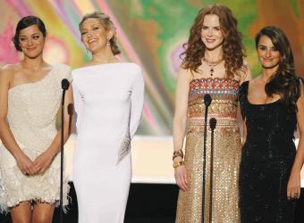 Las actrices Marion Cotillard, Kate Hudson, Nicole Kidman y Penelope Cruz en un acto