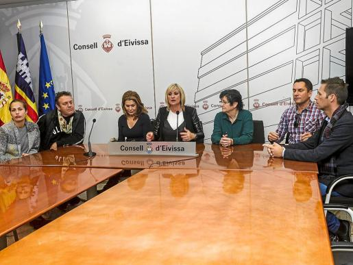 A la rueda de prensa acudieron Marta Díaz y algunos diseñadores como Tres Ibiza, Virginia Vald, Piluca Bayarri o Vintage Ibiza.