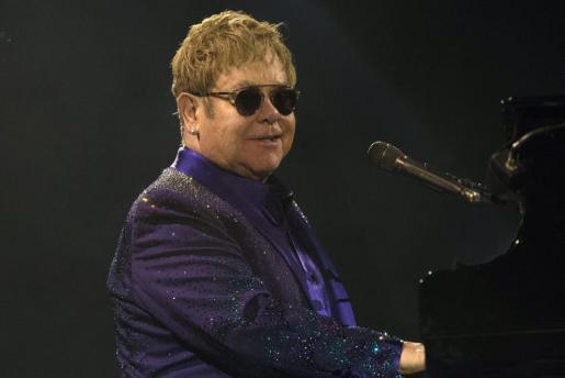En la imagen, el cantante y compositor birtánico Elton John.