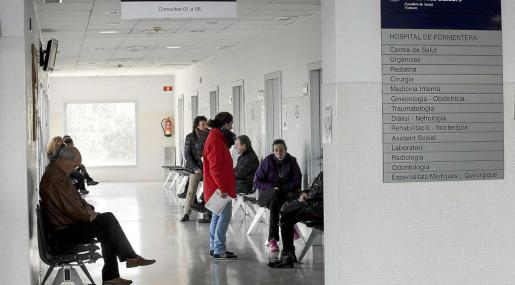 El hospital de Formentera integra también el centro de salud de atención primaria y cuenta con alrededor de un centenar de trabajadores. Foto: DANIEL ESPINOSA