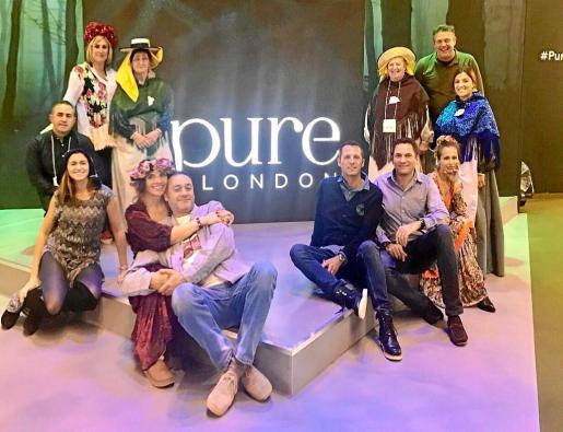 La delegación ibicenca cerrando su exitosa participación en la feria de moda Pure London.