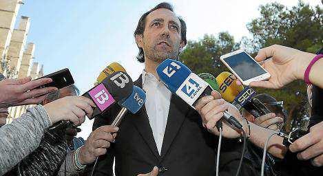 José Ramón Bauzá buscará apoyos este viernes entre los afiliados de Ibiza. Foto: PERE BOTA