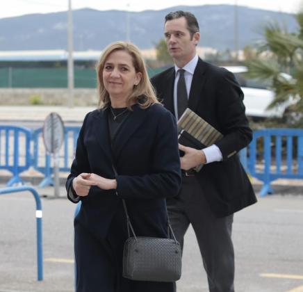 La infanta Cristina y su marido, Iñaki Urdangarin, llegando a la sede del macrojuicio del caso Nóos en febrero de 2016.