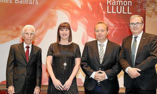 El pasado año el Govern premió a Jaume Ferrer y a la Escola de Turisme d'Eivissa.