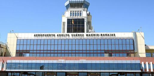 El cambio de nombre del aeropuerto madrileño fue aprobado el 24 de marzo de 2014 y la orden la firmó la entonces ministra de Fomento, Ana Pastor.