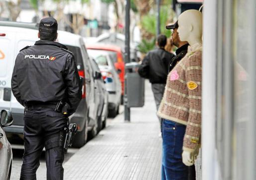 La mujer fue detenida por agentes de la Policía Nacional y puesta a disposición judicial.