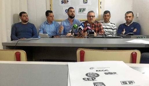 La plataforma por la equiparación salarial fue presentada por responsables de los sindicatos CSIF, ASP, CEP, SUP, SPP y UFP, así como la Asociación Española de Guardias Civiles.