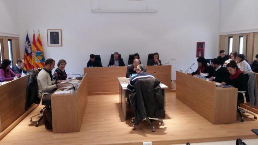El pleno del Consell de Formentera aprueba por unanimidad la petición del Govern de ayudas a la vivienda.