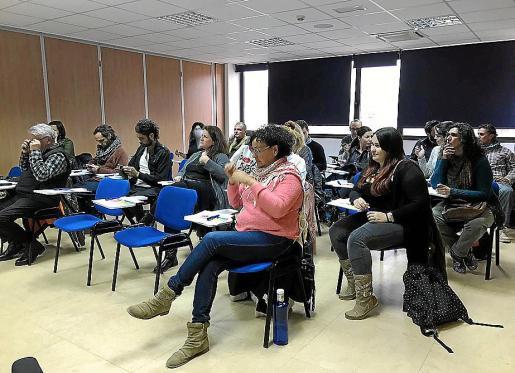 Éxito de público en las jornadas celebradas en el Cetis sobre turismo creativo.