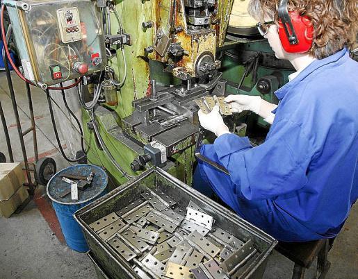 La industria es uno de los sectores con más necesidad de formación.