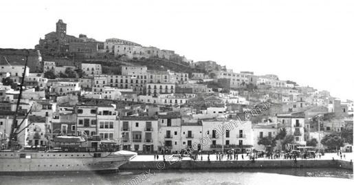 Ibiza fotografiada por Lomax en 1952. Cortesía Estate of Alan Lomax.