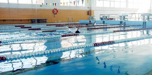 La apertura de la piscina de Can Misses ha permitido al municipio de Vila reducir la lista de espera en un 50% desde hace menos de dos años. Foto: DANIEL ESPINOSA