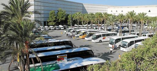 La mayoría de empresas de transportes de viajeros de las Islas se enfrentan a la sanción de Competencia.