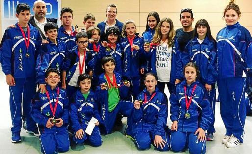La expedición ibicenca realizó una gran actuación en tierras mallorquinas tanto en la modalidad de kumite como en la de kata, logrando para Ibiza un póquer de campeonatos autonómicos.