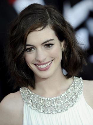 La actriz estadounidense Anne Hathaway será la presentadora de la gala de los Oscar este año.