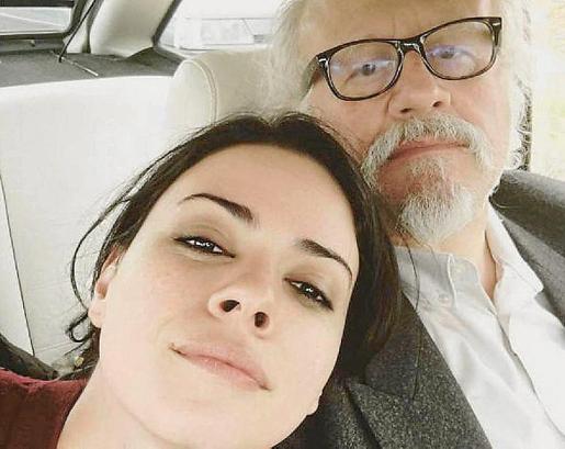 Imagen del Instagram de la actriz Ana Arias, Paquita en 'Cuéntame', junto a Juan Echanove, su marido en la serie.