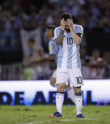 Fotografía del 23 de marzo de 2017 del jugador de la selección argentina de fútbol eo Messi durante el partido de clasificación para el Mundial de Rusia 2018 disputado contra Chile en el estadio Monumental de Buenos Aires (Argentina).