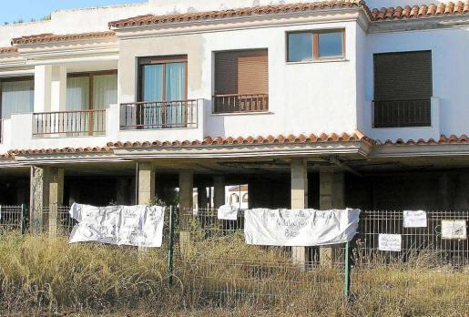 Esta es la vivienda que deberá ser demolida en parte cuando el Consell dé su visto bueno.