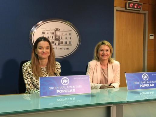 En rueda de prensa, Prohens ha pedido a la presidenta del Govern que «cese inmediatamente» al vicepresidente del Govern, Biel Barceló, y al conseller de Medio Ambiente, Vicenç Vidal.