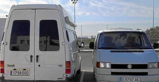 La furgoneta y la autocaravana que se comercializó en Fotocasa.