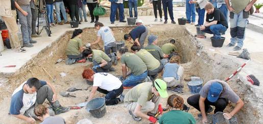 La segunda fase de la fosa de Porreres permitirá localizar a más de medio centenar más de cuerpos asesinados.