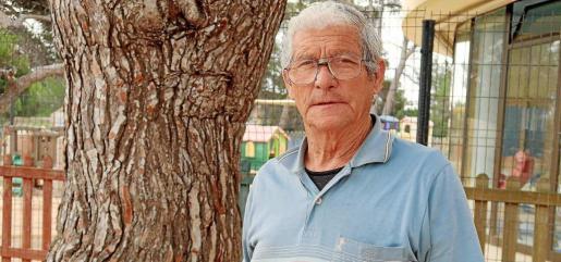 Fidel Ortiz es el presidente de la Asociación de Vecinos de Cala de Bou. Foto: I. S.