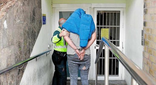 El joven conductor detenido por la muerte de Dani Viñals quedó en libertad provisional tras comparecer ante la juez de guardia. Foto: DANIEL ESPINOSA