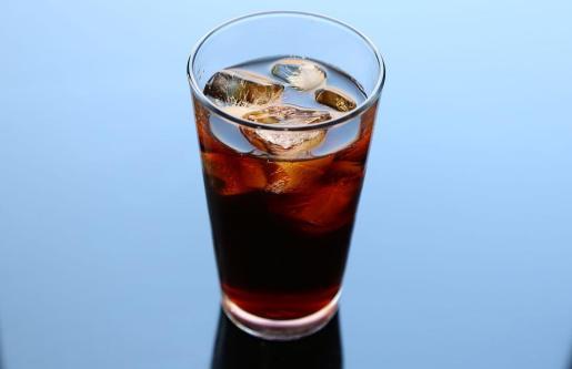 Imagen de un refresco azucarado.