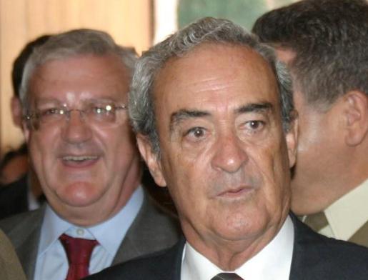 Ángel Reigosa, en primer plano, en una imagen de archivo.