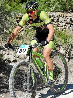 Juan Antonio Costa, en acción sobre su bicicleta en una carrera de esta temporada.
